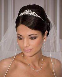 The 25+ best ideas about Wedding Tiara Veil on Pinterest ...