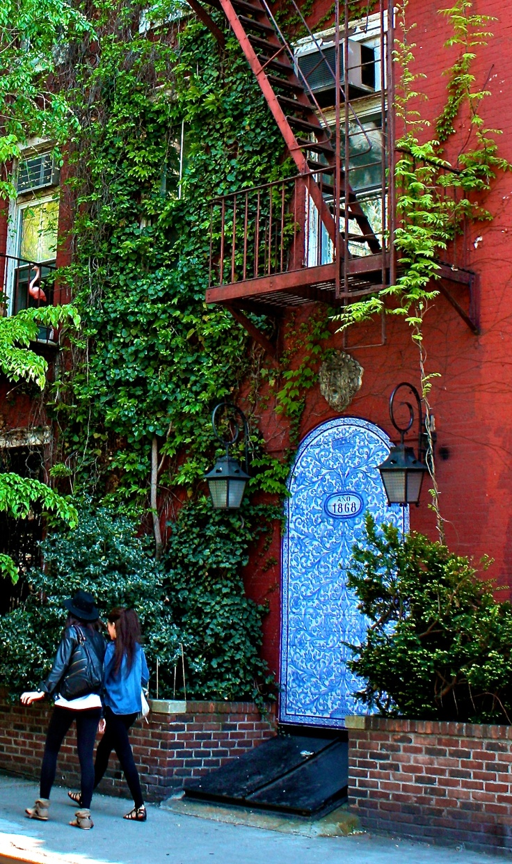 17 Best Images About New York City The Urban Lifestyle - Green Walls In New York