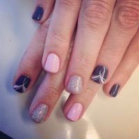 Simple but cute gel polish design-minus the ring fingers ...