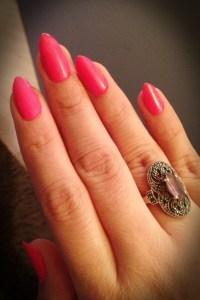 Short pointy nails, claw nails , pink mani, pink nails ...