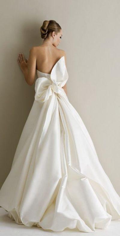 17 Best ideas about Bow Wedding Dresses on Pinterest ...
