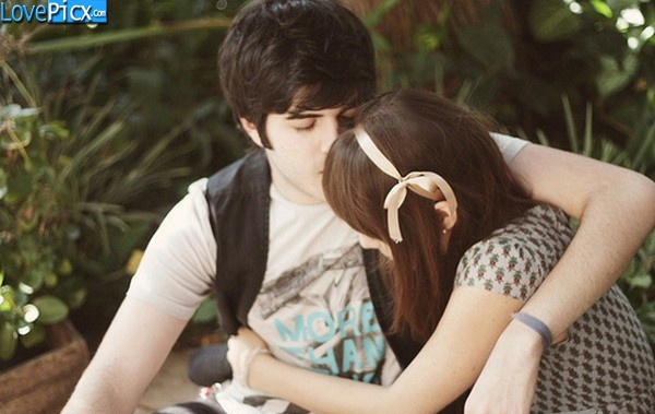 Free Wallpapers Wid Quotes Love Couple Hug Kiss Romantic Sexy Cute Sweet Wallpapers