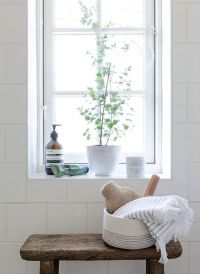 25+ Best Ideas about Window Sill Decor on Pinterest ...