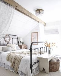 1000+ ideas about Farmhouse Style Bedrooms on Pinterest ...