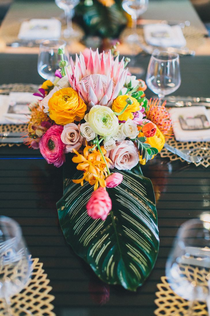 17 Best ideas about Tropical Centerpieces on Pinterest