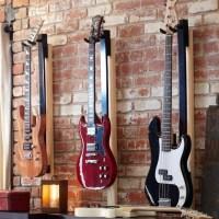 light your guitar mount, like the wall arrangement, good ...