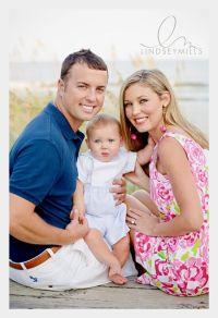 family of three photo poses | Family of 3 Pose Idea ...