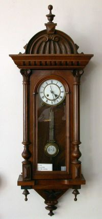 25+ best ideas about Antique Clocks on Pinterest