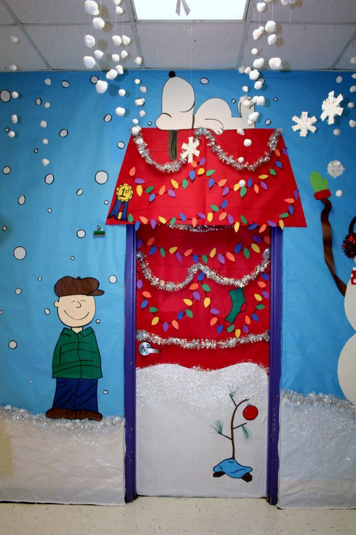 10 nice images charlie brown christmas door decorations door christmas classroom