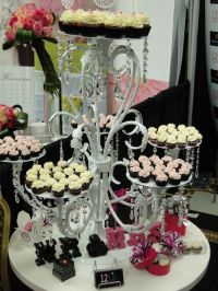 36 best images about Cupcake stands on Pinterest ...