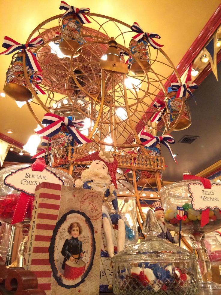 Disneyland 4th July Americana window display decor