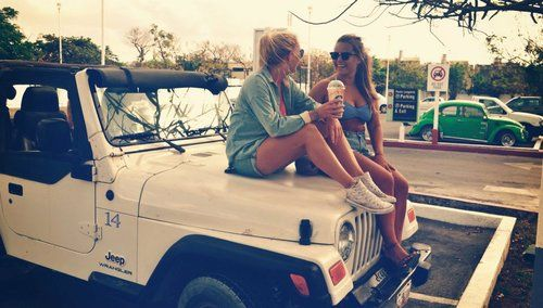 Pin Up Girl Wallpaper Free Friends Friend Best Friends Best Friend White Jeep