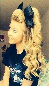 The 25+ best Cheerleader hairstyles ideas on Pinterest ...