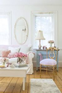 25+ Best Ideas about Shabby Chic Couch on Pinterest ...