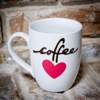 Make a cute coffee mug using vinyl and your Cricut ...