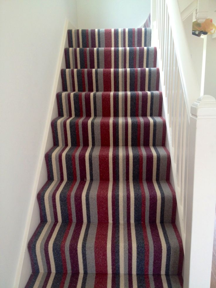 Black Grey Cream Stripe Wallpaper 1000 Ideas About Striped Carpet Stairs On Pinterest