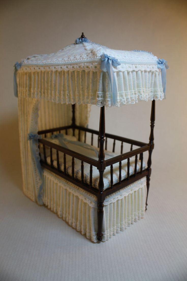 Dollhouse Miniature Dressed Bespaq Canopy Bed Matching