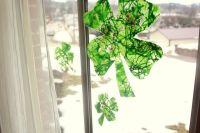 Shamrock Window Craft for St Patrick's Day   Windows Decor ...