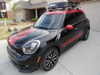 Mini Countryman Outfitted with Thule AeroBlade Roof Rack ...