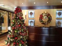 Office reception area | Christmas Decorations | Pinterest ...