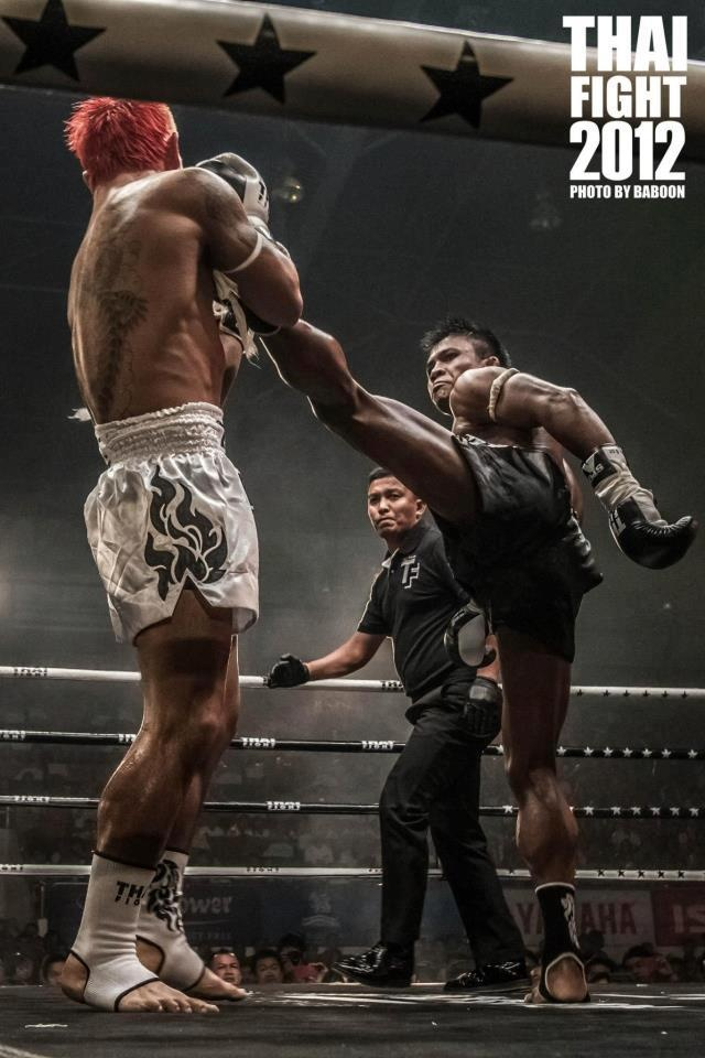 Wallpaper Fitness Girl Awesome Shot Of Buakaw Landing A High Kick At Thai Fight