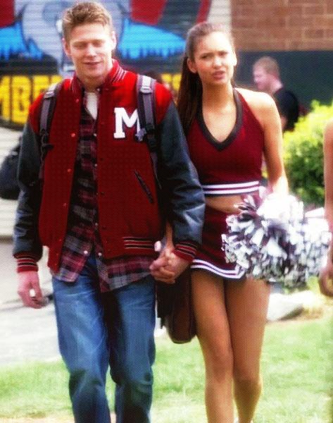 Mystic Falls Wallpaper The Vampire Diaries Elena Gilbert Amp Matt Donovan