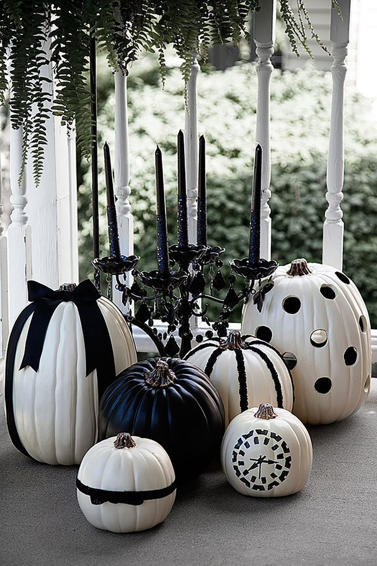 Couchtisch Modern Gold Black And White Halloween Pumpkins By @heather Creswell