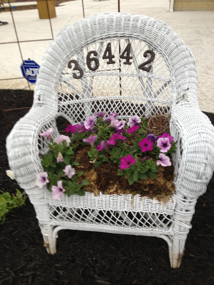 Love Chair Sessel Chairs Made Into Planters - Woodworking Projects & Plans