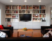 Cozy Family Room Design With Built In Bookshelf And ...