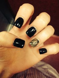 1000+ images about Dark Black Nails on Pinterest | Nail ...