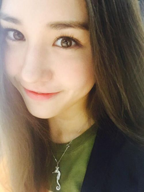 Dahyun Twice Beautiful Girl Wallpaper Jeon Somi As Lara Jean To All The Boys I Ve Loved Before