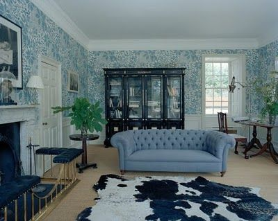 Stella Tennant living room with blue wallpaper | Living Rooms | Pinterest | Models, Blue ...