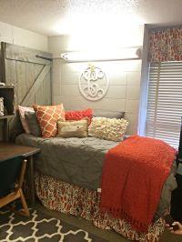 25+ best ideas about Dorm Room Headboards on Pinterest ...