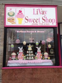 22 best images about Cake Window Displays on Pinterest ...