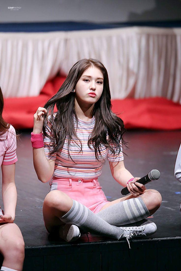 Beauty Body Girl Wallpaper Jeon Somi Pinterest Kpop And Korean