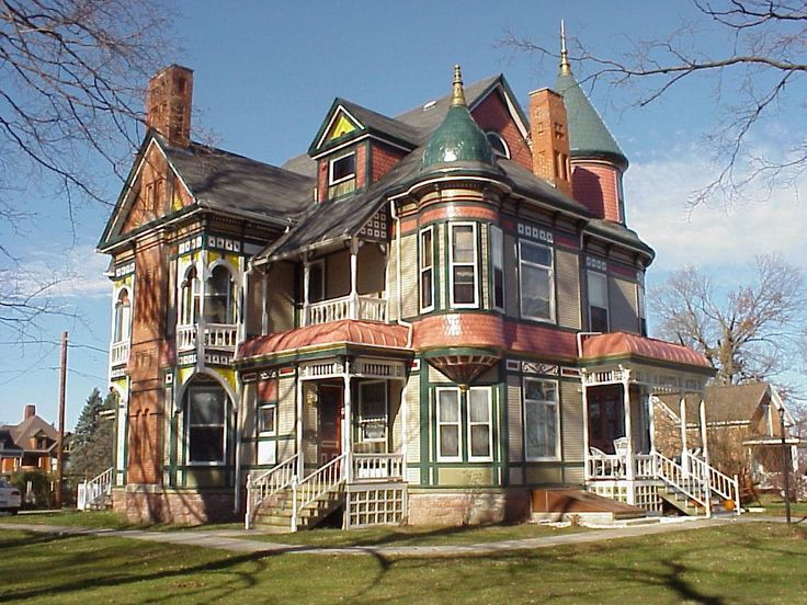 Amerikanisches Holzhaus Haunted House Garden Grove Iowa | Historic Queen Anne