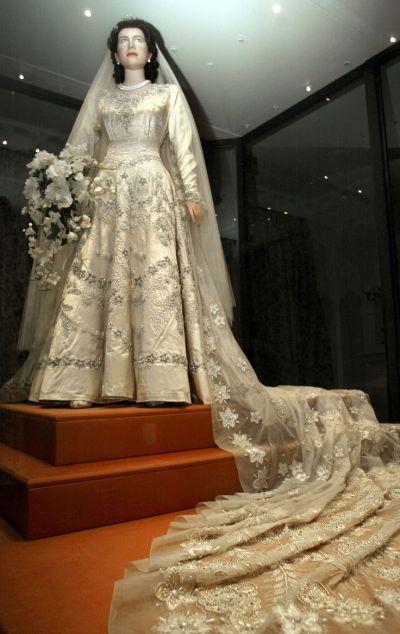 Royal Weddings | Wedding, Elizabeth ii and Gowns