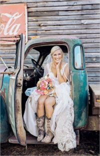 25+ best ideas about Bridesmaids Cowboy Boots on Pinterest ...