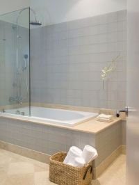 Jacuzzi Tub Shower Combo Design: Modern Bathroom Ideas