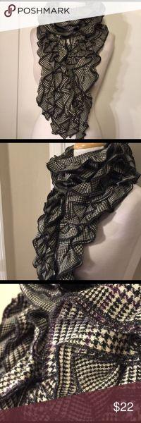 1000+ ideas about Ruffle Scarf on Pinterest | Sashay yarn ...