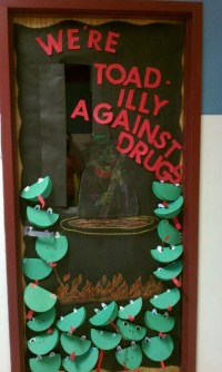 Red Ribbon Week Door Decoration-Inside each toad, students ...