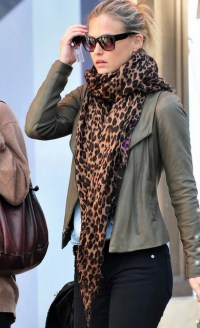 1000+ ideas about Scarf Outfits on Pinterest