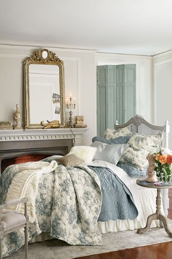 25+ best ideas about Romantic Country Bedrooms on
