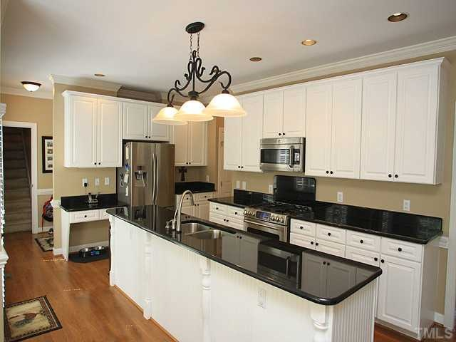 Gree N White Combination For Kitchen Cabinets Gorgeous Kitchen! Nice Combination Of Black Granite