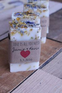 17 Best ideas about Rustic Wedding Favors on Pinterest ...