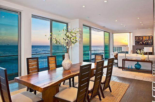 Inside Beach Homes |   Beach House - Home Bunch - An Interior