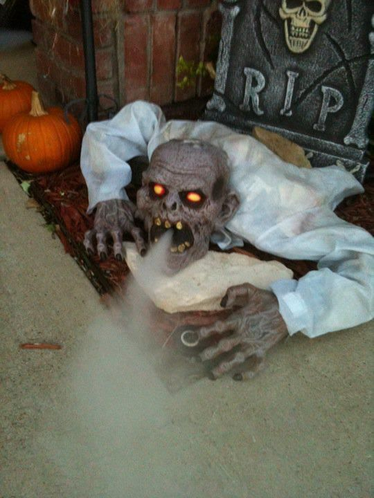 17 Best Ideas About Scary Halloween Decorations On