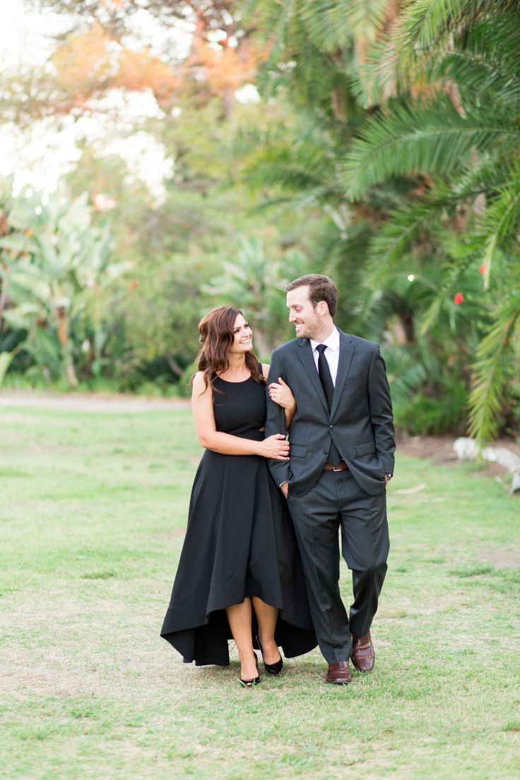 Black dress engagement photos - Download