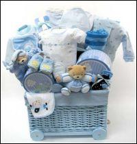 25+ best Homemade Gift Baskets ideas on Pinterest   Diy ...