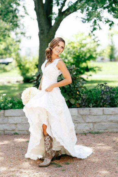 25+ best ideas about Wedding Dress Boots on Pinterest ...